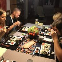 workshop-sushi-participants-eating